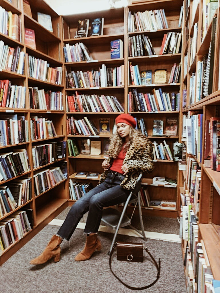 chic in the library