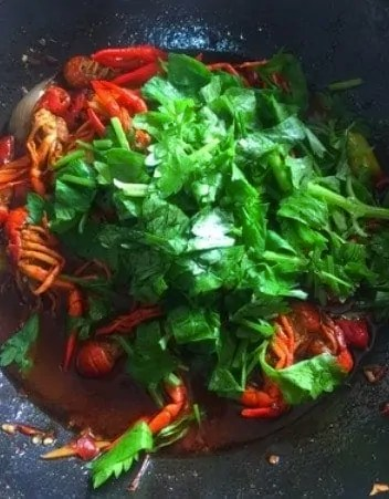 Authentic Spicy Crayfish Tail Home Recipe Step16