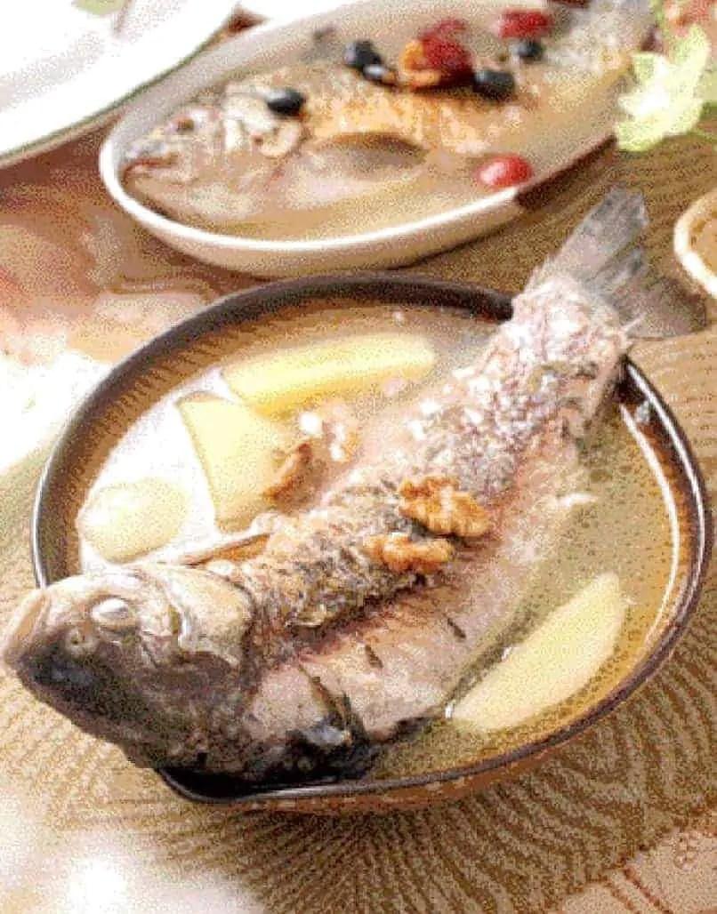 Apple Walnut Carp Fish Soup Recipe