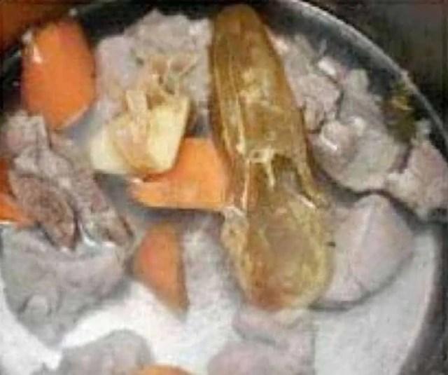 Carrot and Pork Tenderloin Fish Glue Soup Recipe step3