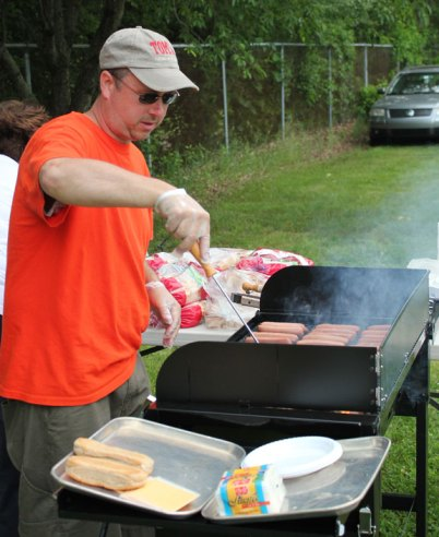 The Parent-School Association of Naugatuck's Hop Brook Elementary School held its annual end of the year BBQ June 1 at the school. –ELIO GUGLIOTTI