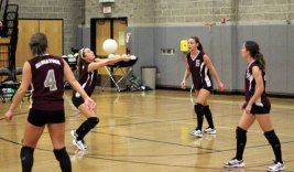 Woodland and Naugatuck faced off on the court Oct. 5. –ELIO GUGLIOTTI