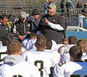 Woodland head coach Tim Shea addresses his team after a come from behind victory over the Seymour Wildcats at Seymour High School in November 2013.  Shea has resigned as football coach. –RA ARCHIVE