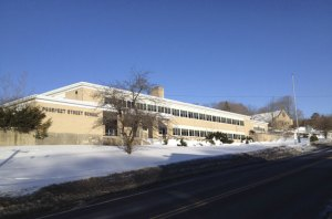 A Southington-based developer has offered to buy the former Prospect Street School in Naugatuck for $300,000. The Board of Mayor and Burgesses on Tuesday referred the plans for the building to the Planning Commission for its review. –RA ARCHIVE