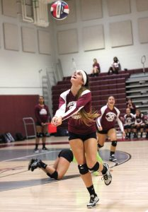 Naugatuck's Molly Kennedy tracks down the ball Oct. 6 versus Seymour in Naugatuck. Seymour won the match, 3-0. –ELIO GUGLIOTTI
