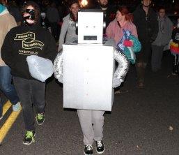 news_halloweenparade-18