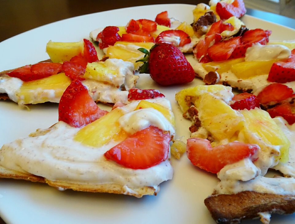 Fruit Pizza with Vanilla Whipped Topping