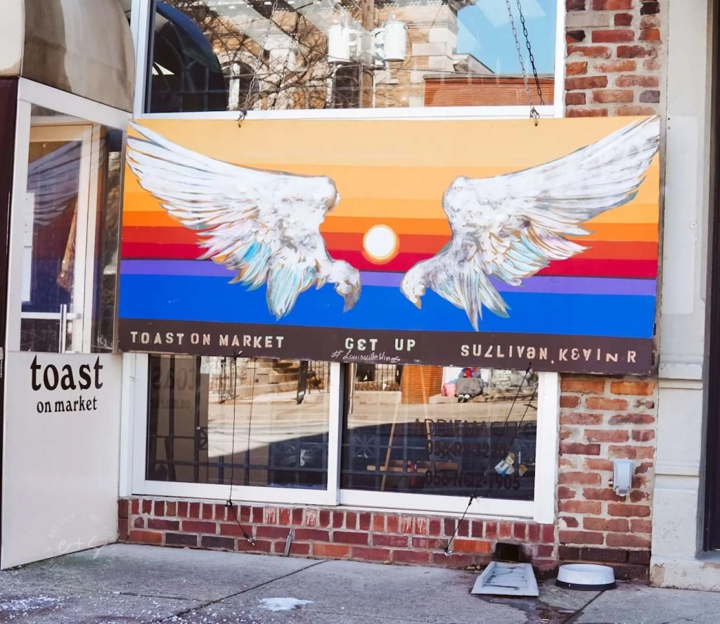 Toast On Market Wings - Louisville Murals