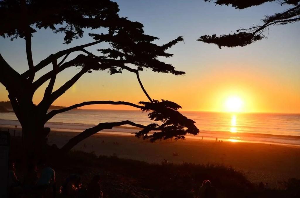 carmel beach stunning sunset in the USA - Best sunsets in the US, prettiest sunsets in the US, where to see the best sunsets in California, where to see the best sunsets in the USA
