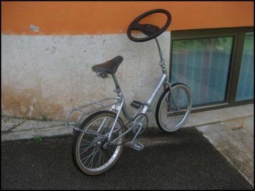 car-steering-wheel-on-bike.jpg
