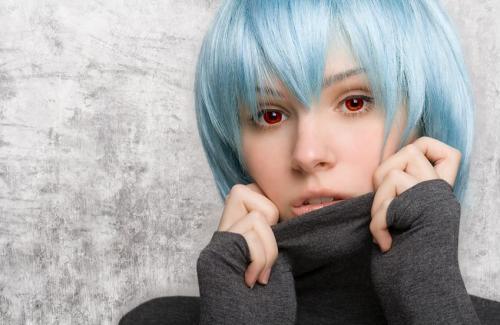 blue-haired-girl