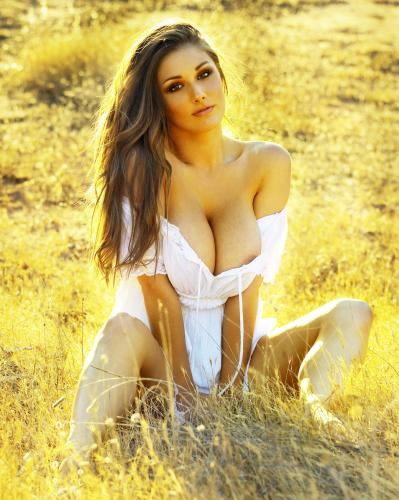 lucy-pinder