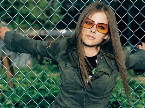 Avril Lavigne Wears Oversized Sun glasses