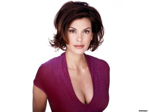 Teri Hatcher In Purple 2
