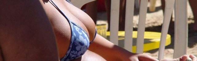 dual screen wallpaper - blue bikini