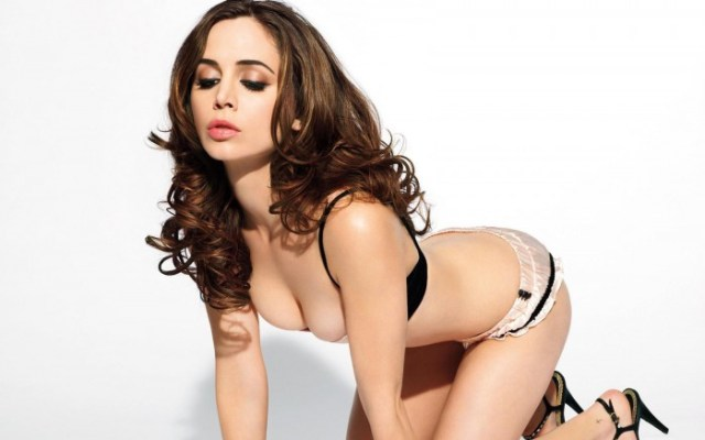 nsfw - eliza dushku is busty