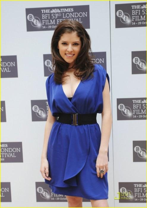 anna kendrick - blue dress
