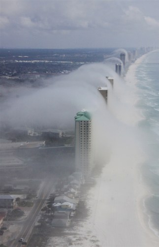 cloud tsunami waves
