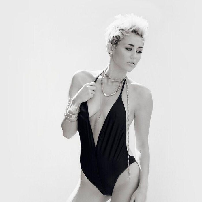 Miley_Cyrus_VijatMohindraSwim2013_3