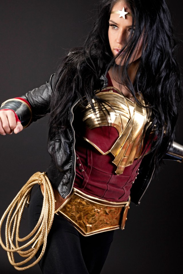 Wonder Woman pulling back.jpg