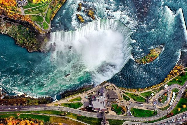 Niagra Falls from above.jpg