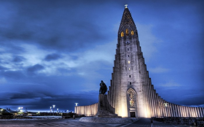 Statue Building.jpg