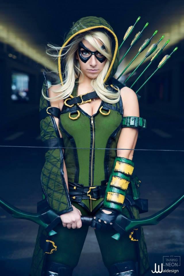 Green Arrow cosplay by DeAnna Davis AKA Its Raining Neon