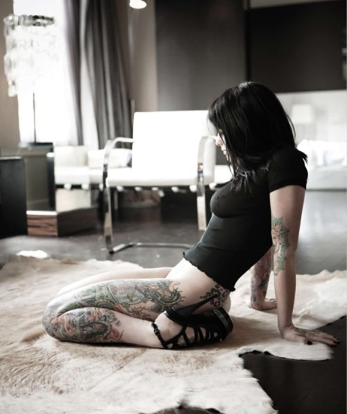 Tattooed-Hotties-8