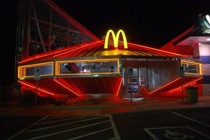 UFO McDonald's in Roswell, New Mexico.jpg