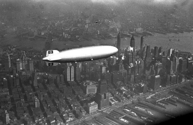 nazi blimp over NYC.jpg