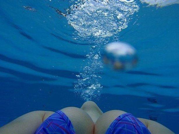 under water 4384