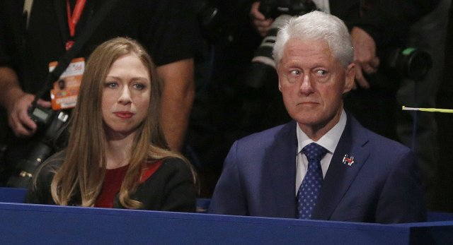 Bill and Chelsey Clinton.jpg