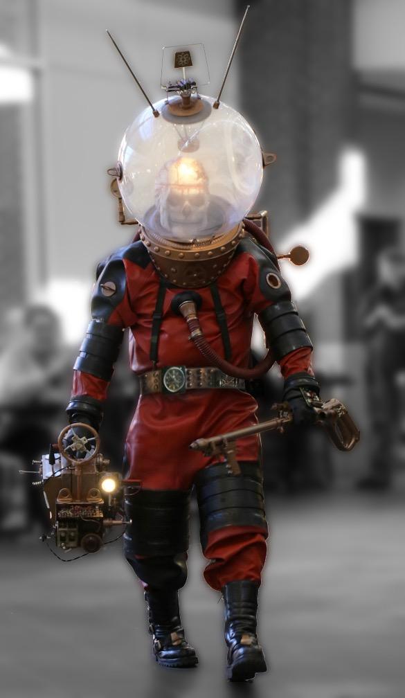 creepy cosplay.jpg