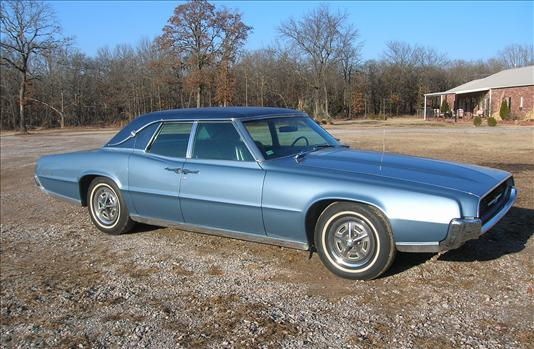 luxury-1967-ford-thunderbird