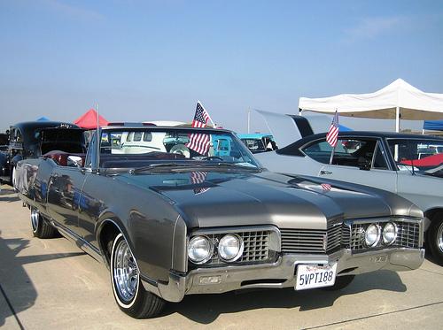 luxury-1967-olds-98