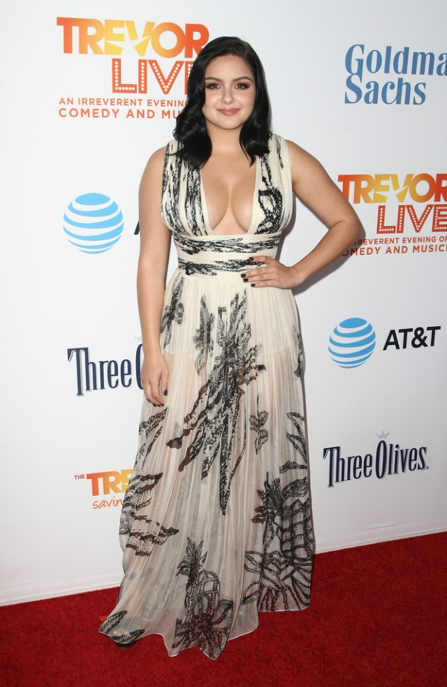 Ariel Winter in a white and black dress.jpg