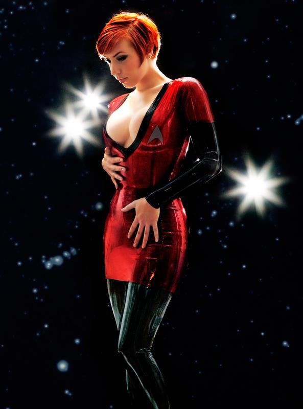 latex-star-trek-costume.jpg (36 KB)