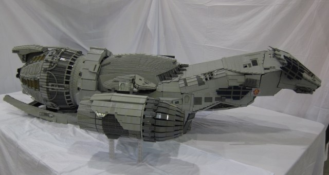 LEGO-Serenity-2.jpg (196 KB)