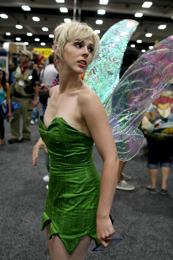 1924832-sdcc2011_comicvine_cosplay_0803_super.jpg (78 KB)