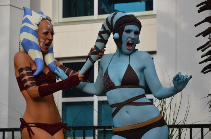 Aayla-and-Ahsoka.jpg (188 KB)