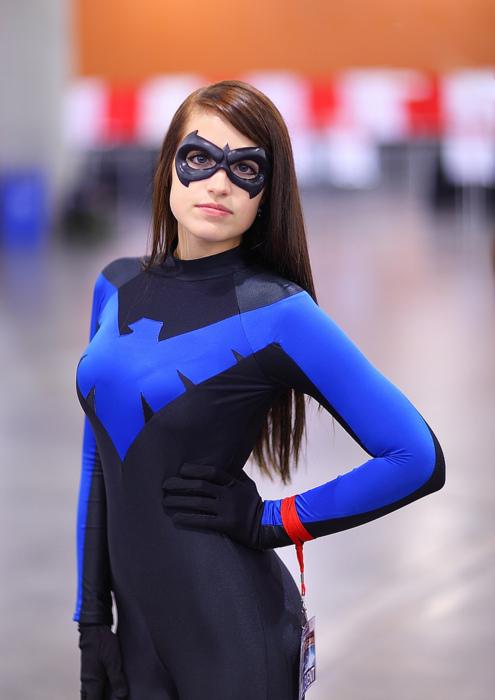 nightwing-cosplay-girl.jpg (139 KB)