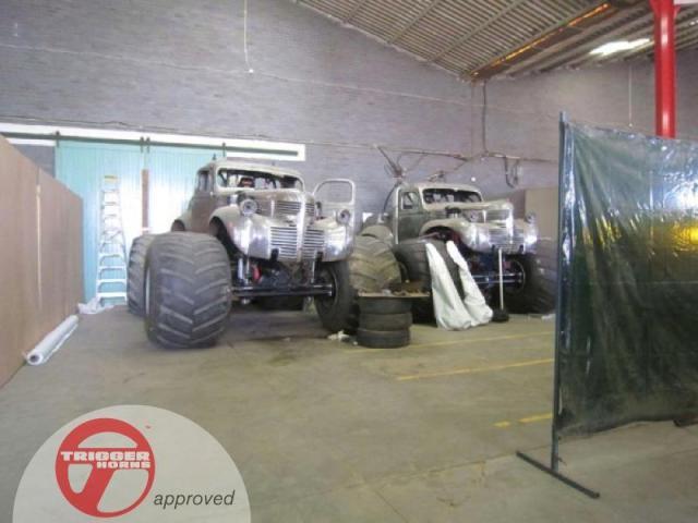 New-Mad-Max-cars.jpg (54 KB)