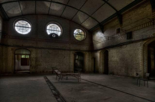Beelitz-Heilstätten-sanatorium-urbex-berlin-germany-7.jpg (99 KB)