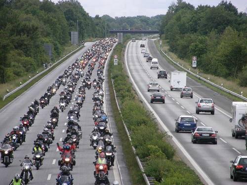 bikes-1004642_10151615163073040_1143530866_n.jpg (40 KB)