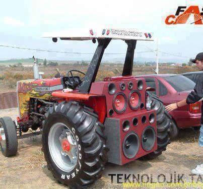 tractor-1010663_560955900617432_358911125_n.jpg (29 KB)