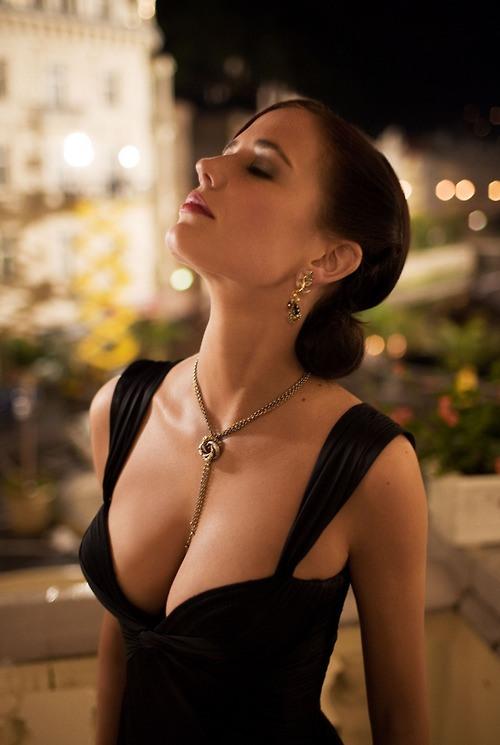 necklace.jpg (76 KB)