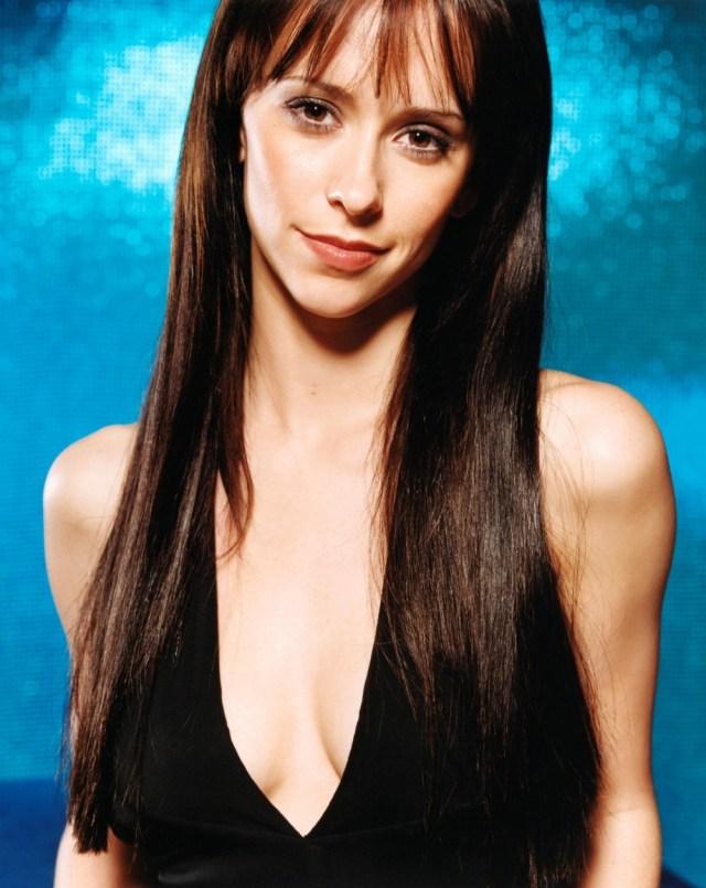 actress-jennifer-love-hewitt-desktop-1000x1259-hd-wallpaper-1254424.jpg (244 KB)