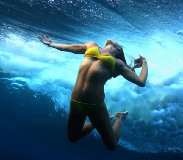 under-water-summer-girls-038-01262014.jpg (130 KB)