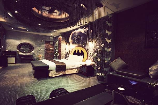Batman-Hotel-room-in-Taiwan-2.jpg (47 KB)