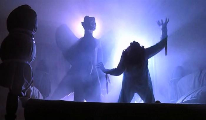 regan-during-the-exorcism.jpg (69 KB)